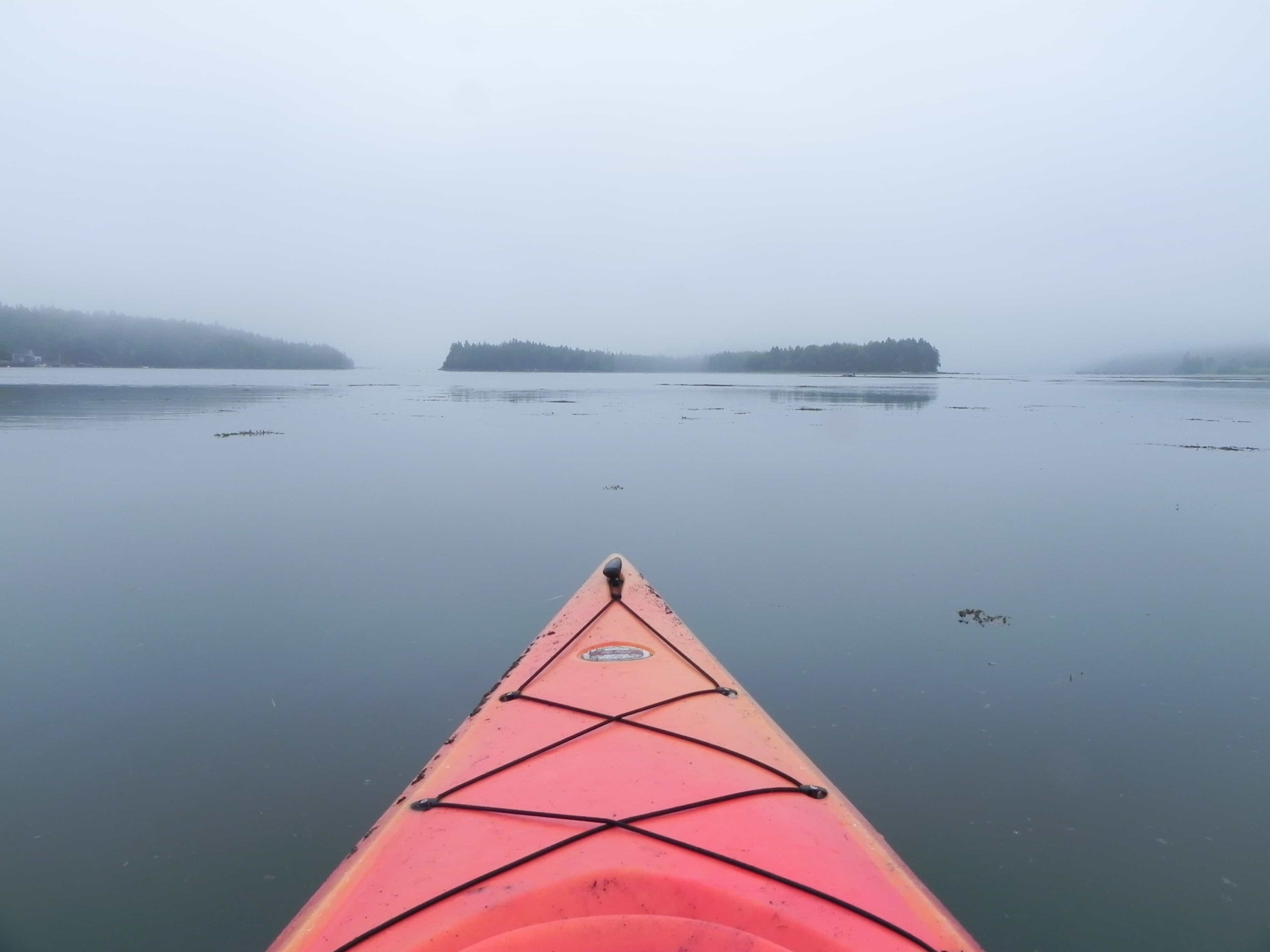 kayak-in-the-mist